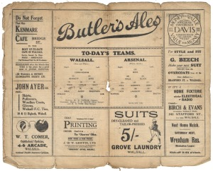 The middle page spread showing the team line-ups.
