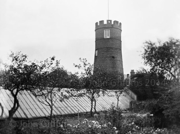 View of the windmill looking west from Hope Cottage (Hopelands) early 1900s.