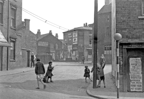 Children playing on the corner of Wisemore with Stafford Street, c.1937.